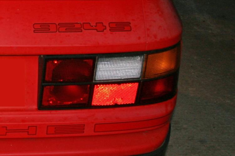Porsche 924S Red Colour Sample