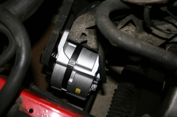 Refurbed 924S Alternator in situ