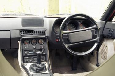 Porsche 924S Driver Controls