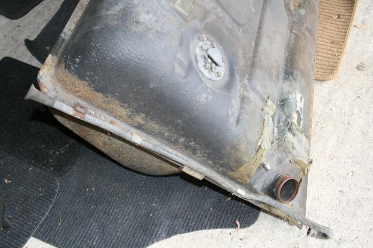 Porsche 924 S Fuel Tank Breather Hose