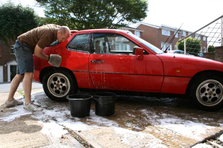 Porsche 924 S Wash
