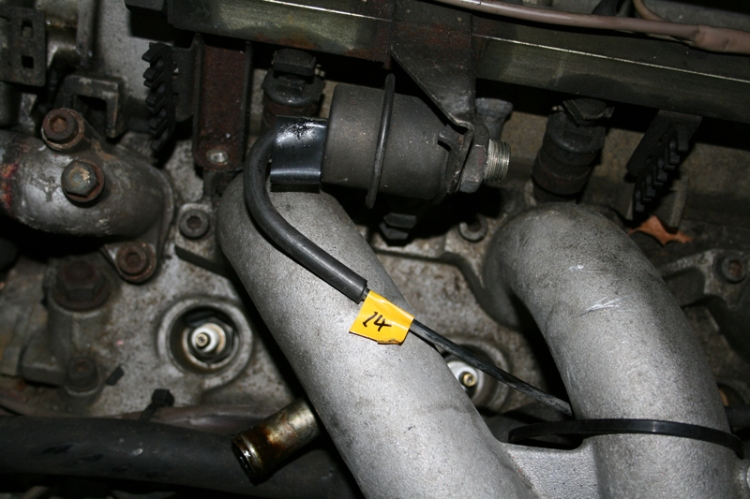 Porsche 924 S Fuel Rail