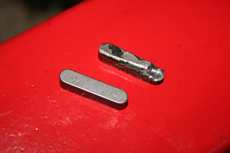 Porsche 924 S Feather Key