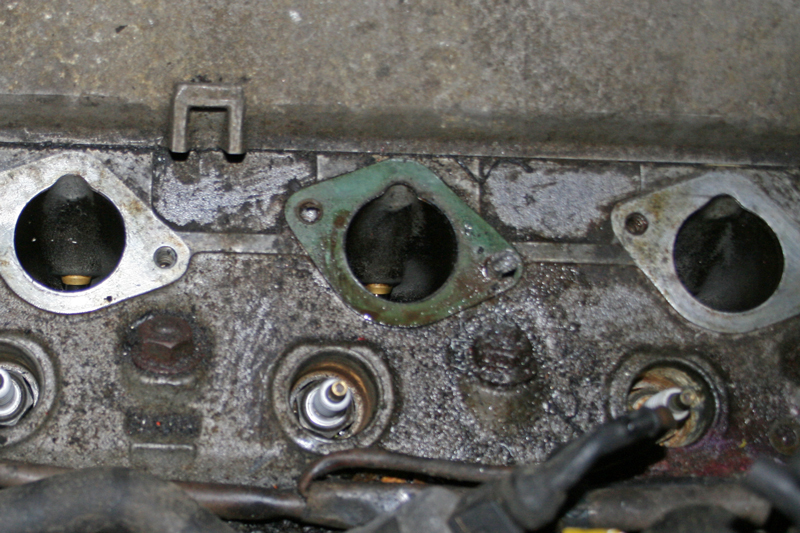 Porsche 924 S Head Manifold Inlet