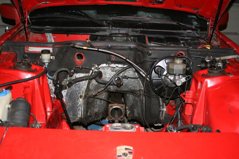 Porsche 924s engine