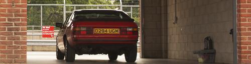Porsche 924 S Oulton Park Garage